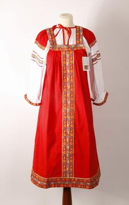 Универмаг крестовский телефон женская одежда